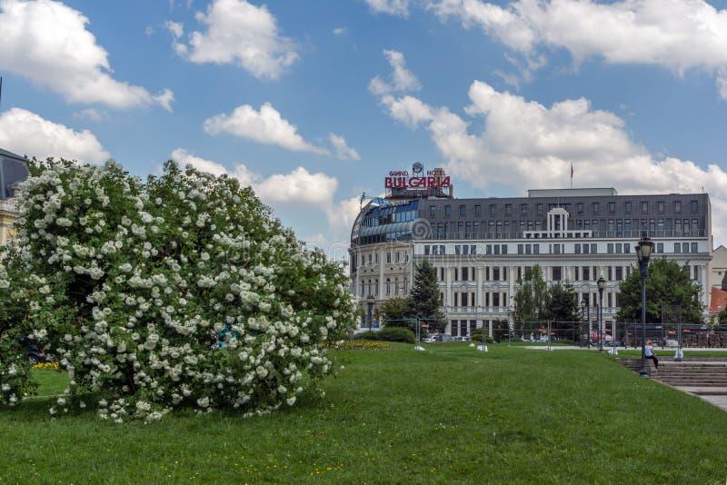 Typowa ulica w centrum miasto Sofia, Bułgaria obraz royalty free