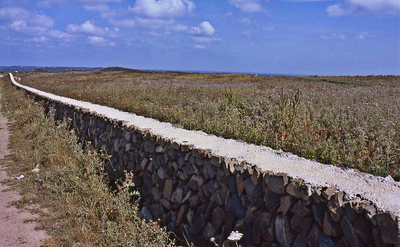 Typowego menorquina sucha ściana fotografia stock