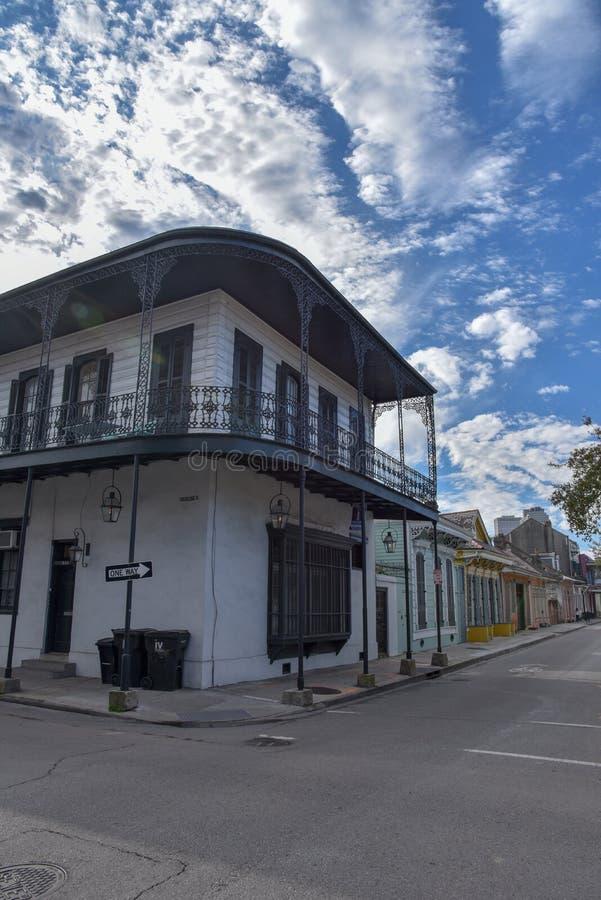 Typowi domy w dzielnicie francuskiej Nowy Orlean (usa zdjęcie stock