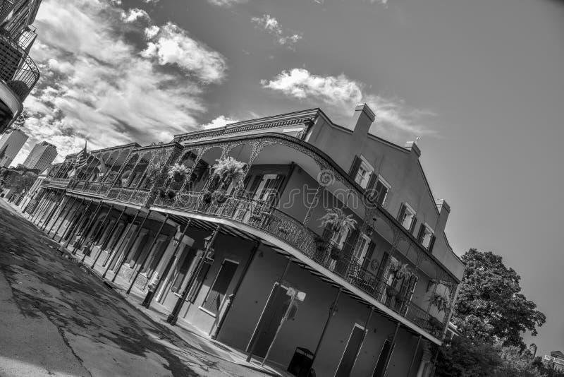 Typowi domy w dzielnicie francuskiej Nowy Orlean (usa obrazy royalty free