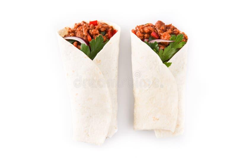 Typowi Meksykańscy burritos opakunki z wołowiną, frijoles i warzywami odizolowywającymi, fotografia stock