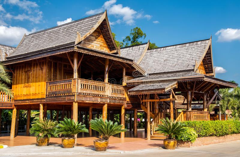 Typowi Tajlandzcy teakwood domy w p??nocy Tajlandia, Azja obrazy stock