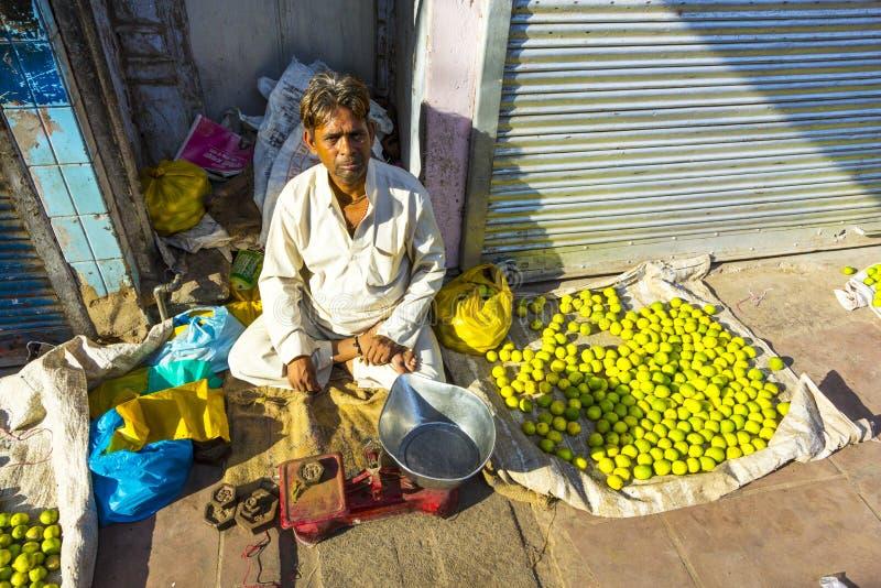 Typowy jarzynowy uliczny rynek obrazy royalty free