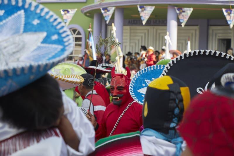 Typowy meksykański czarci kostium podczas karnawałowego przyjęcia zdjęcie royalty free