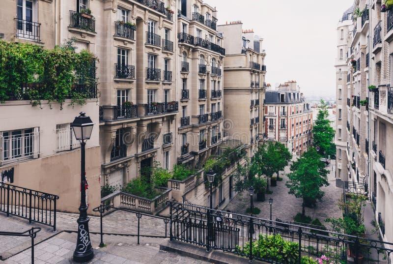 Typowy Montmartre schody w Paryż obrazy royalty free