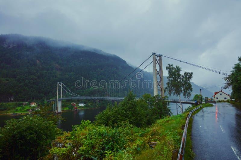 Typowy Norweski widok most przez fjord zdjęcie stock