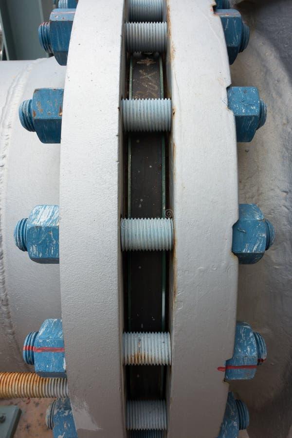Typowy polimer pokrywał rygle i dokrętki łączy flansze fotografia stock