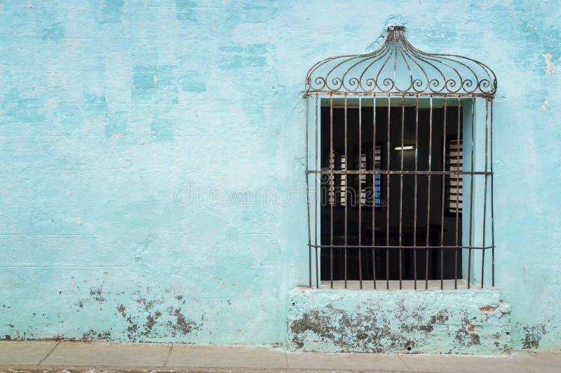 Typowy zdobny okno w Trinidad, Kuba fotografia stock