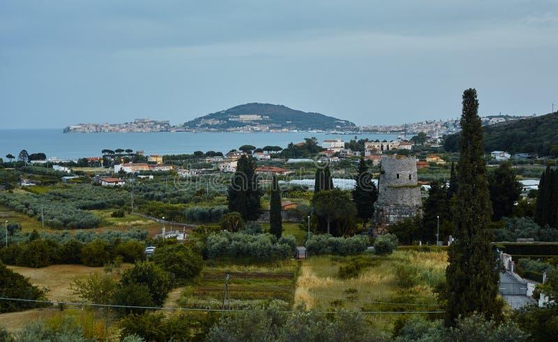 Tyrrhenisches Meer Aussicht auf Gaeta, Italien stockbilder