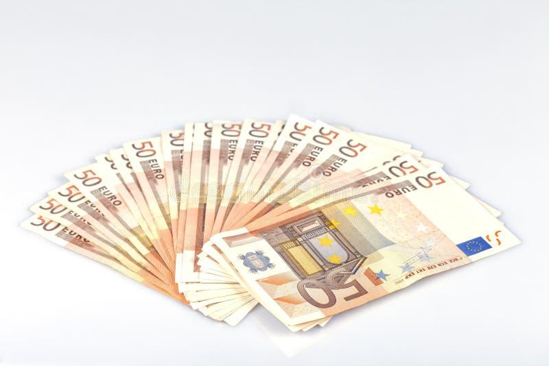Tysiąc euro w pięćdziesiąt notatkach odizolowywać na bielu obraz stock