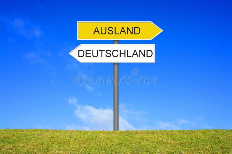 Tysk för för vägvisarevisningTyskland eller främmande land arkivbilder