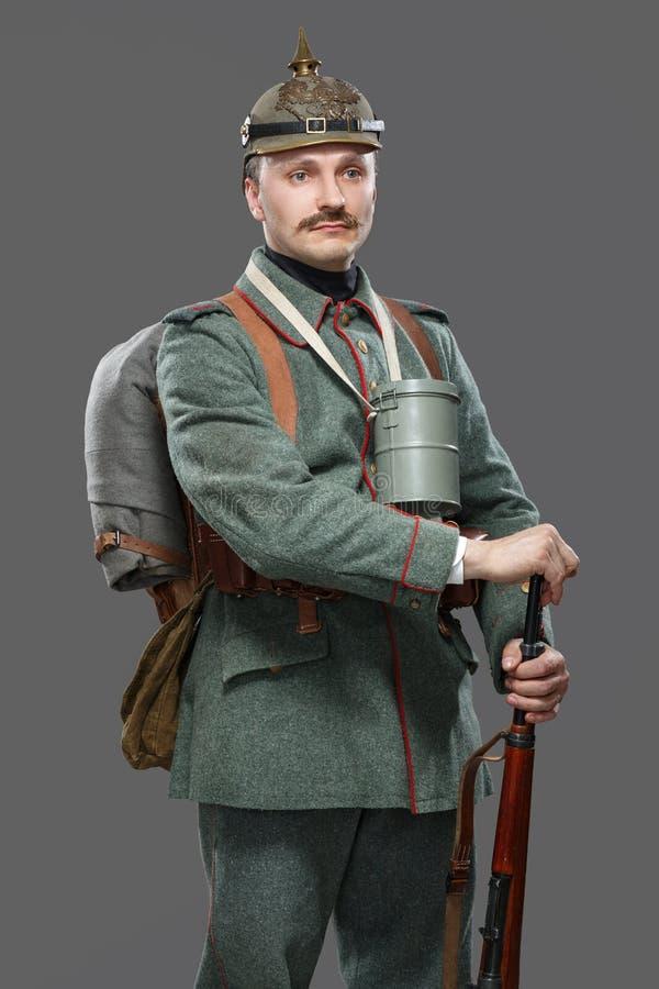 Tysk infanterist under det första världskriget. arkivbilder