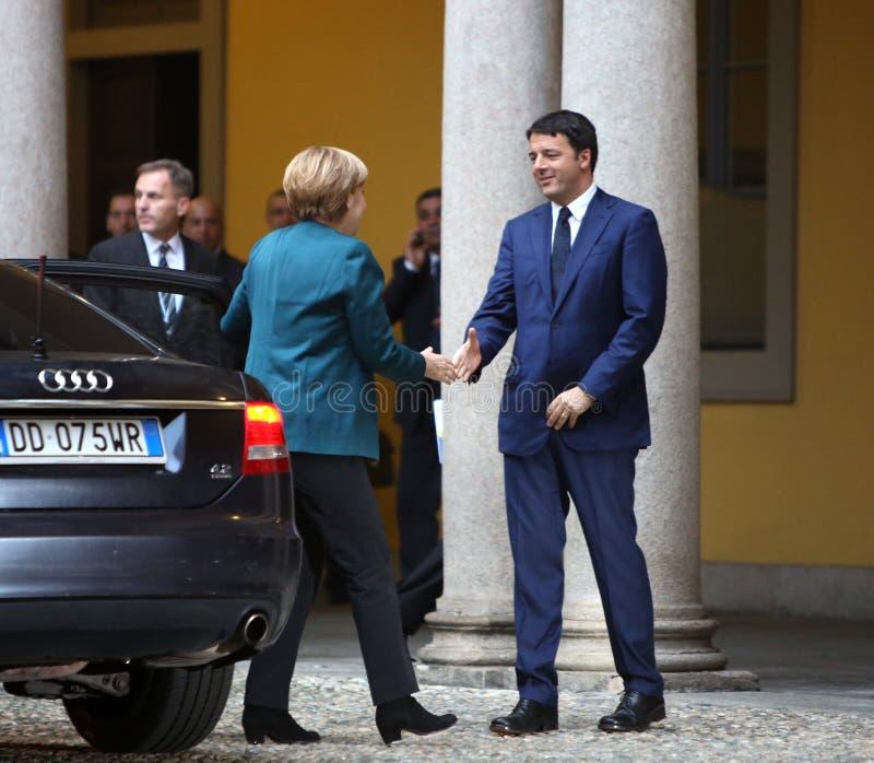 Tysk kansler Angela Merkel och italiensk premiärminister Matte fotografering för bildbyråer