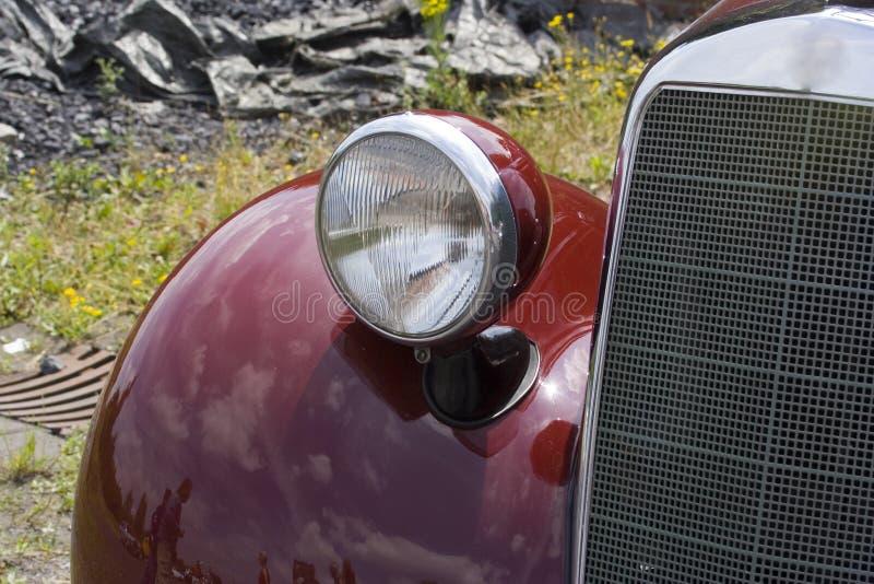 tysk mercedes för benzbil tappning royaltyfria bilder