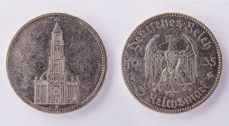 Tysk Reichsmark 1935 för mynt 5 royaltyfri fotografi