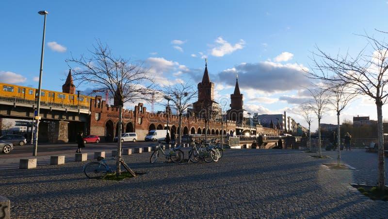 Tysk stad av det Berlin Near East sidogallerit royaltyfri fotografi