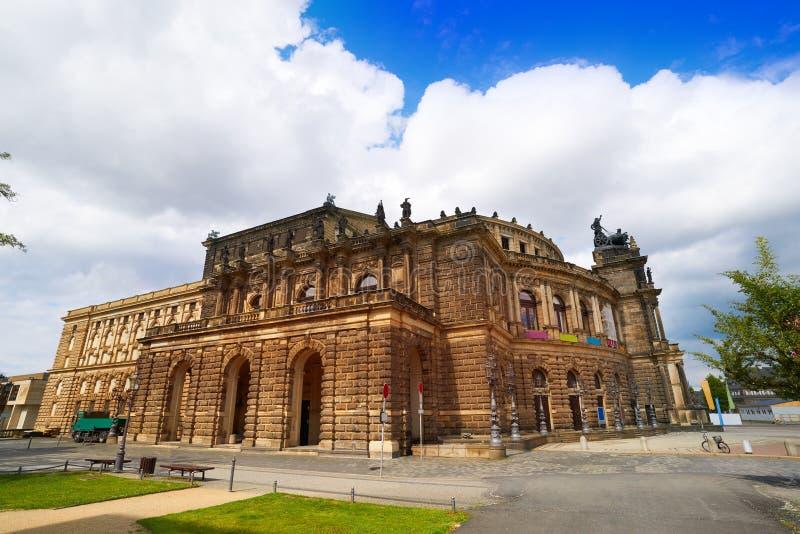 Tyskland för Dresden Semperoper operateater royaltyfri bild