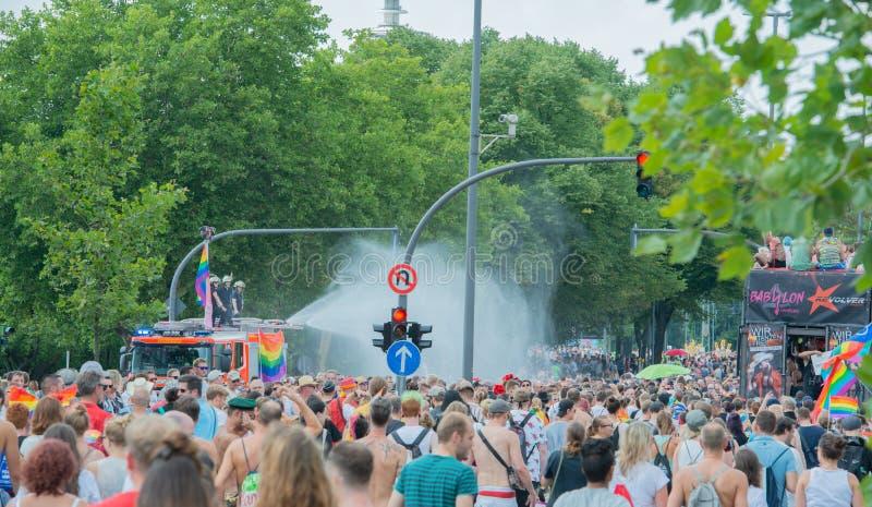 Tyskland Hamburg - Augusti 4, 2018: Christopher gatadag Förälskelse ståtar i Hamburg arkivbilder