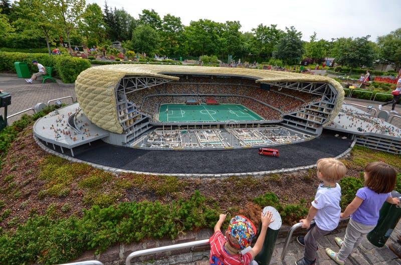 Tyskland nära Ichenhausen 25 Juni 2015 Lego parkerar `-Legoland `, arkivfoto
