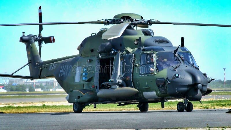 98+93 tyskt flygvapen NHI NH90 TTH royaltyfri fotografi