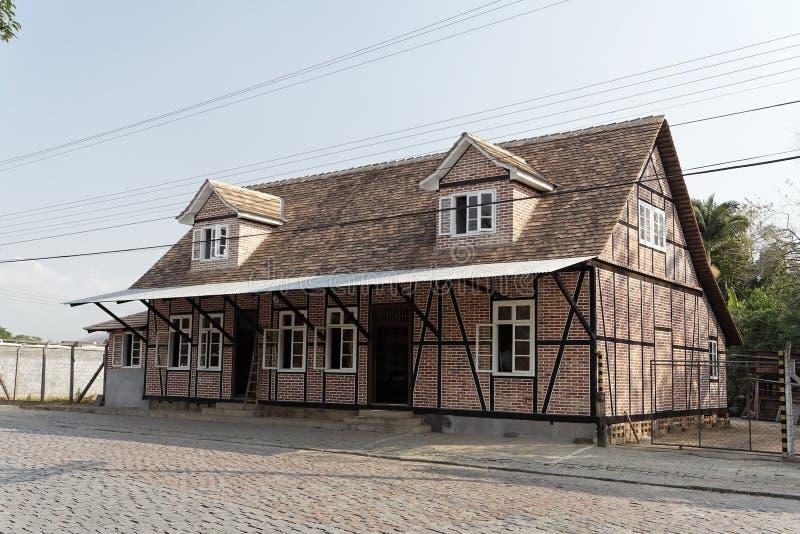 tyskt half historiskt hus timrat typisk fotografering för bildbyråer