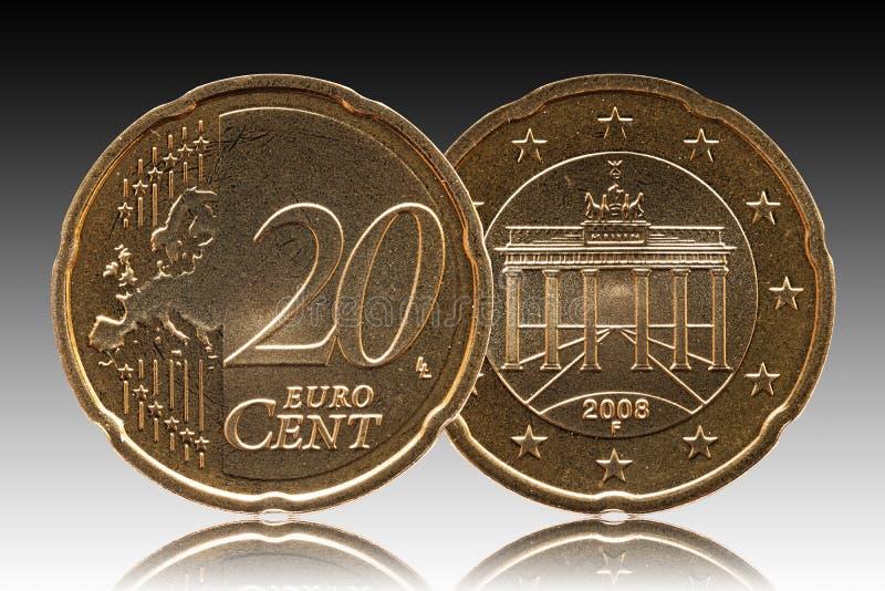 Tyskt mynt för Tyskland för cent för euro 20, främre sida 20 och Europa, bakBrandenburg port, bakgrundslutning arkivfoto