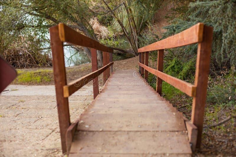 Tyst och fridsam Franklin Canyon vandring i Beverly Hills, Kalifornien Parkera som lokaliseras nära Benedict Canyon på fotografering för bildbyråer