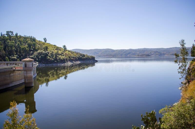 tystnad för ställe för natur för liggande för skönhetfiskarelake arkivfoton