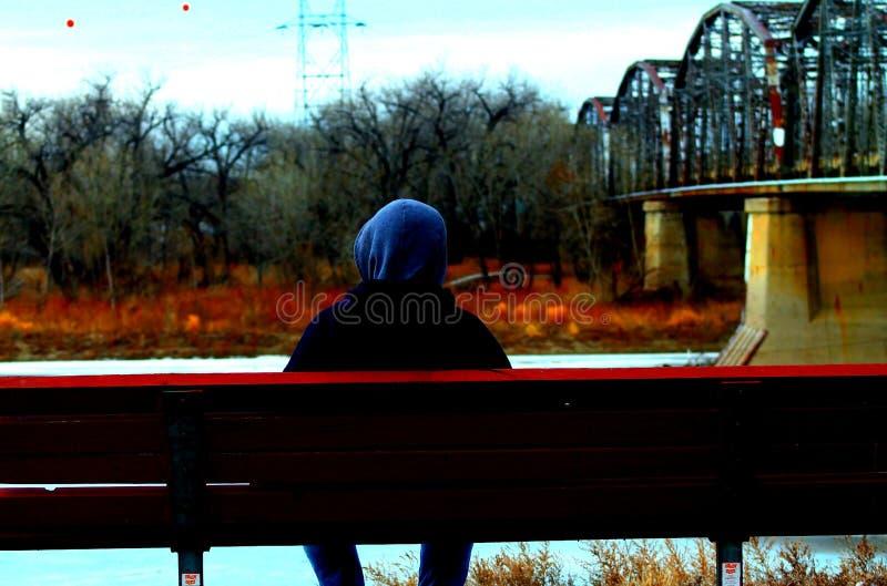 Tystnad på floden arkivfoton