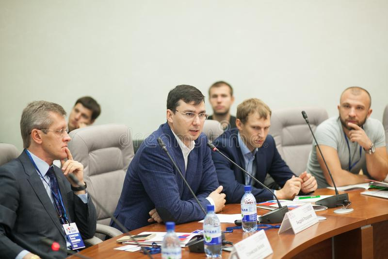 Tyumen, Ρωσία, 09 07 2016 Φόρουμ των καινοτόμων τεχνολογιών Επιστήμονες, πολιτικοί και επιχειρηματίες επικοινωνίας στοκ φωτογραφίες με δικαίωμα ελεύθερης χρήσης
