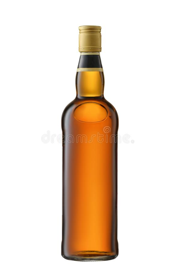 Uísque completo da vista dianteira, conhaque, garrafa da aguardente isolada no fundo branco com trajeto de grampeamento fotos de stock royalty free