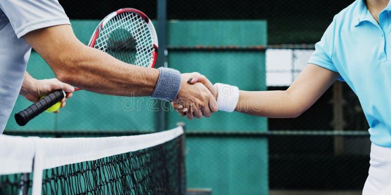 Uścisk dłoni atlety trenowania trenera ćwiczenia pojęcie obrazy royalty free