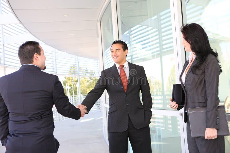 uścisk dłoni biznesowa drużyna zdjęcie stock