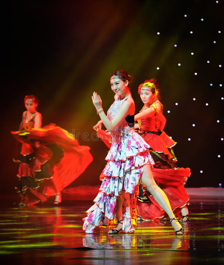 Uśmiech ---Hiszpański Krajowy taniec fotografia stock