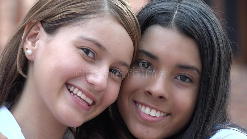 Uśmiechać się twarz Szczęśliwych przyjaciół obrazy stock