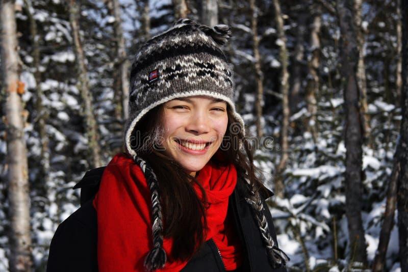 uśmiechnięci zima kobiety potomstwa zdjęcia royalty free