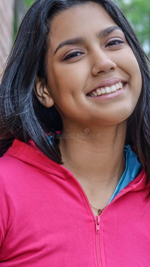 Uśmiechnięta atlety dziewczyna obraz royalty free