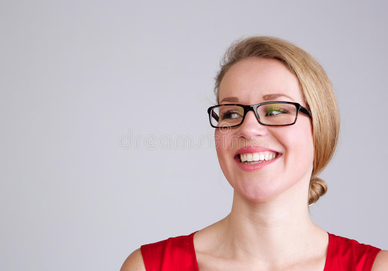 Uśmiechnięta biznesowa kobieta z szkłami zdjęcia royalty free