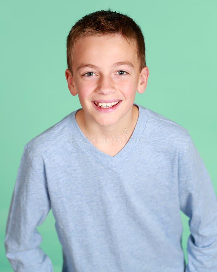 Uśmiechnięta chłopiec zdjęcie stock