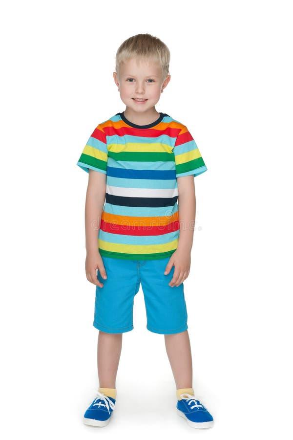 Download Uśmiechnięta Chłopiec W Pasiastej Koszula Obraz Stock - Obraz złożonej z szczęśliwy, szczęście: 41951351