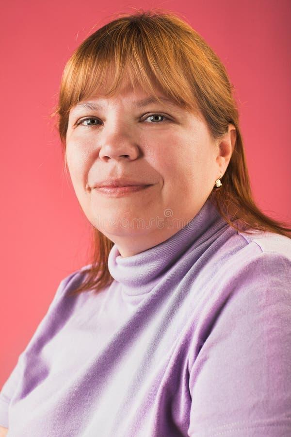 Uśmiechnięta gruba kobieta zdjęcia royalty free