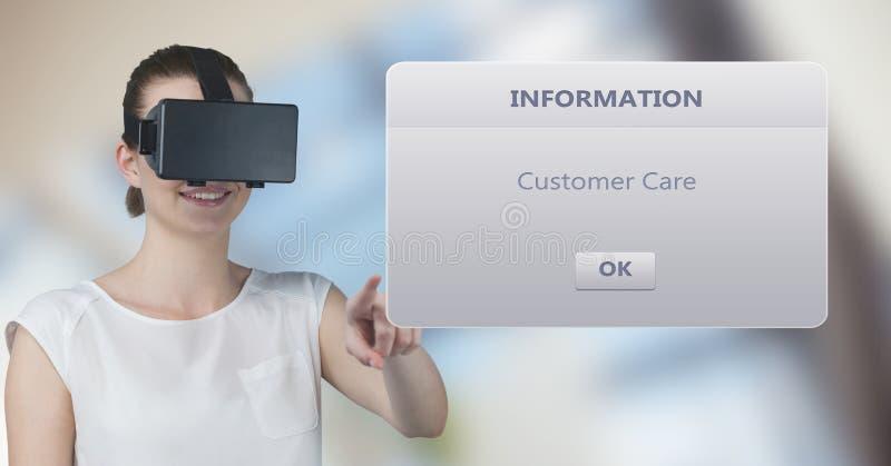 Uśmiechnięta kobieta jest ubranym VR szkła podczas gdy wzruszający informaci pudełko zdjęcie royalty free