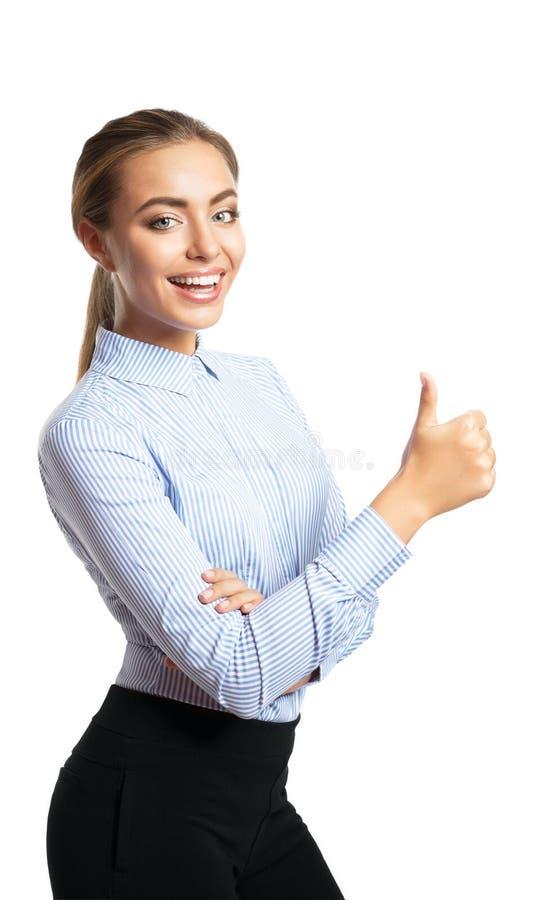 Uśmiechnięta kobieta pokazuje aprobata gest obrazy stock