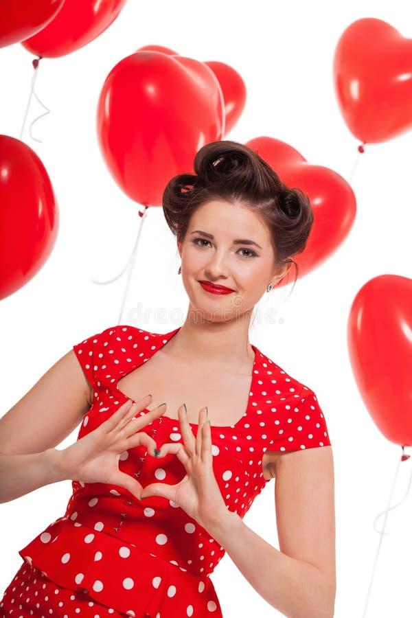 Uśmiechnięta młoda atrakcyjna dziewczyny kobieta z czerwonymi wargami odizolowywać zdjęcie stock