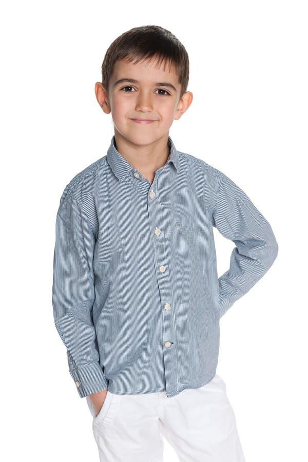 Download Uśmiechnięta Mod Potomstw Chłopiec Zdjęcie Stock - Obraz złożonej z szczęśliwy, pojedynczy: 41951518