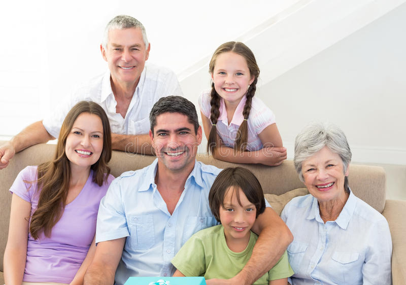 Uśmiechnięta multigeneration rodzina obrazy royalty free