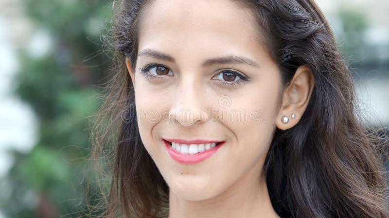 Uśmiechnięta Peruwiańska kobieta obrazy royalty free