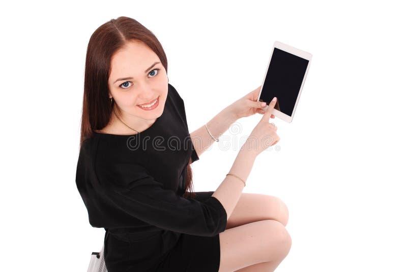 Uśmiechnięta studencka nastoletnia dziewczyna pokazuje pastylka pokazu applicatio obraz stock