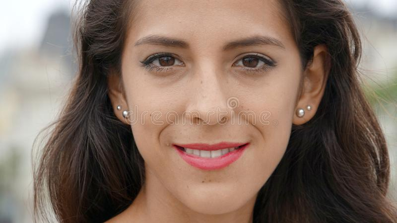 Uśmiechnięta twarz młoda osoba obraz royalty free