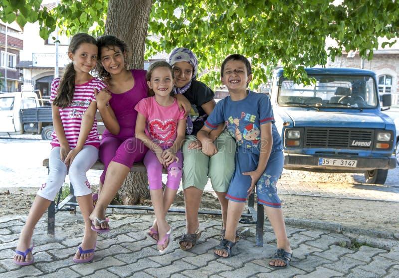 Uśmiechnięte dzieci tureckie w Bergamie zdjęcie stock